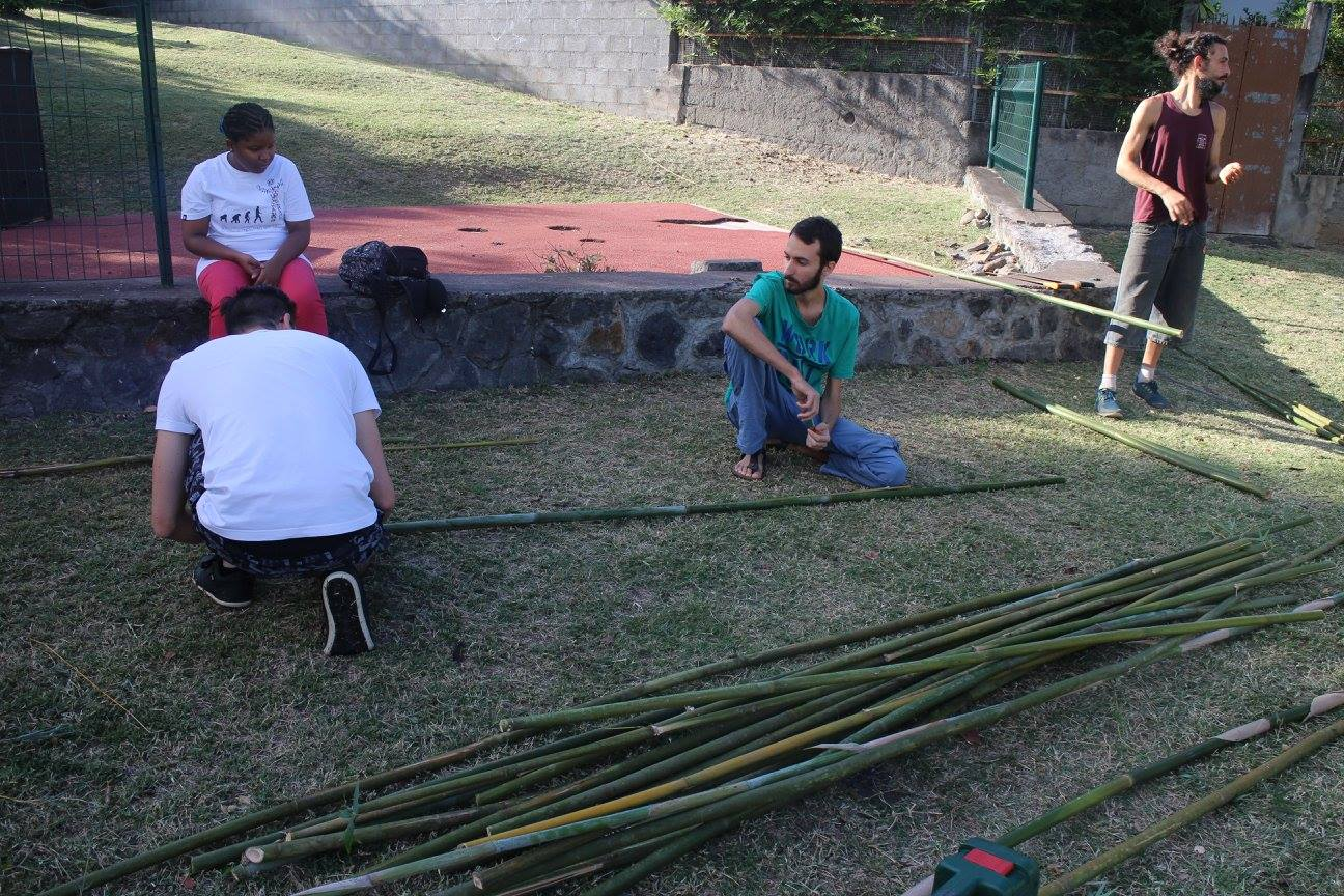 Construction du dôme géodésique